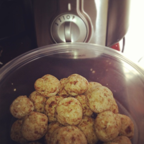Food Processor Recipe - Date, Almond, Coconut Balls